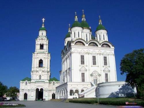 Успенский Собор и Соборная колокольня. Город  Астрахань, Кремль.